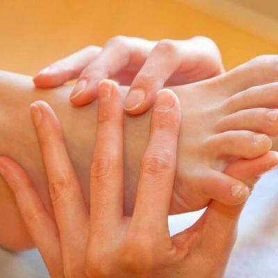 Терапия с папая за ръце и крака